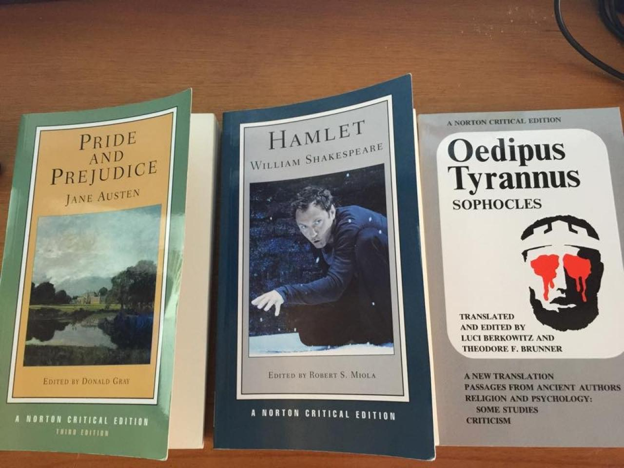 Hamlet Norton Critical Editions Translated by Miola+Oedipus Tyrannus: Norton Critical Edition+Pride and Prejudice: Norton Critical Edition 3e